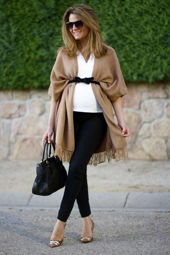 outfit ideas for pregnant with scarf