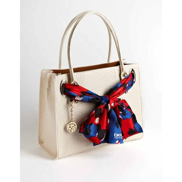 Give Your Plain Bag the Colors of Your Outfit | Scarf on Handbag